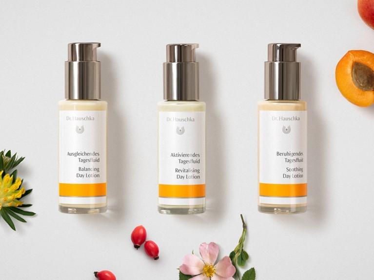 Drei Flower Power Fluids für deine Haut.