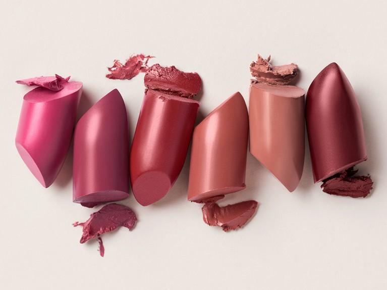 Pflege in bunt mit den neuen Lipsticks.